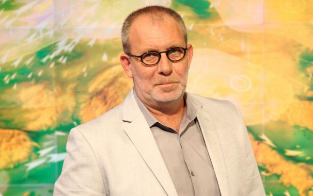 Florin Busuioc, în timp ce prezintă vremea la Pro TV