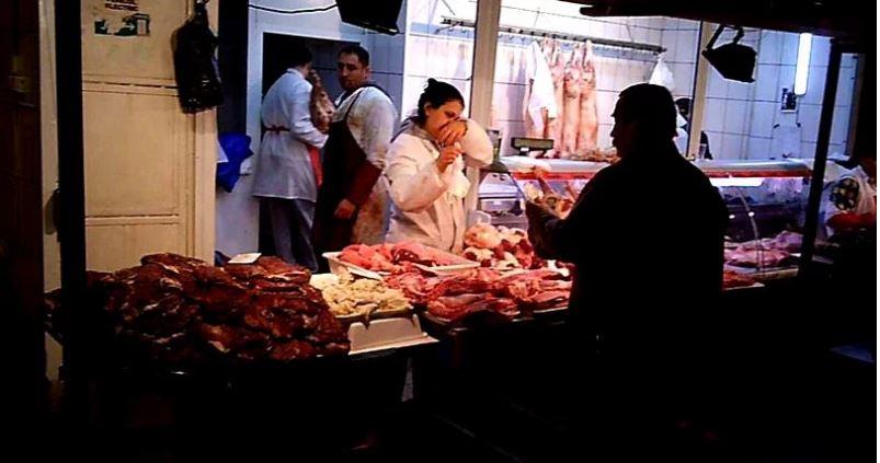 Revizie de sărbători în piețe și magazine alimentare: Au fost confiscate peste două tone de carne