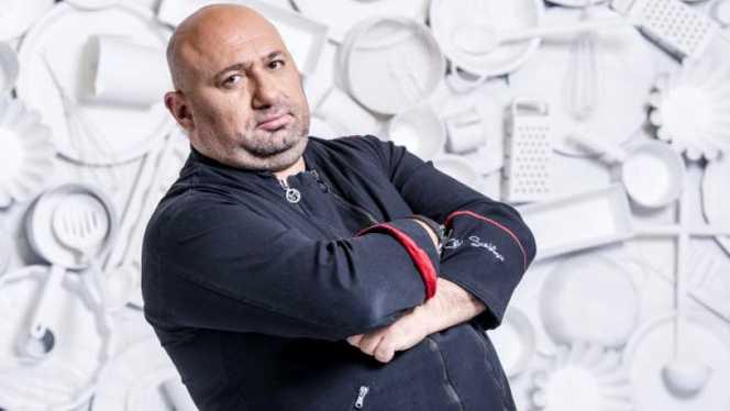 Aşa arăta Cătălin Scărlătescu, înainte de a lua decizia de a slăbi cele 52 de kilograme
