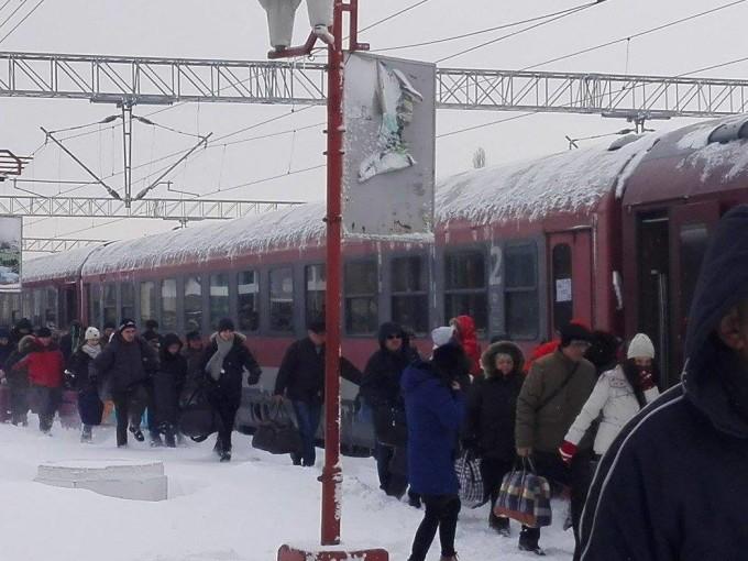 Din cauza vremii aspre, trenurile CFR de la Timișoara au bătut recordul de întârzieri