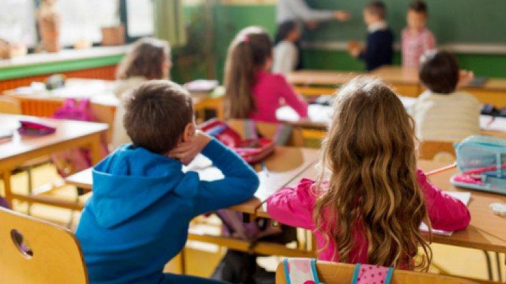Elevii și copiii, transport gratuit în mijloacele de transport în comun ale STB preuniversitar
