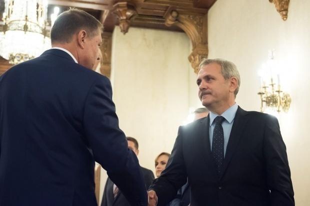 Preşedintele României, Klaus Iohannis, îl salută pe Liviu Dragnea