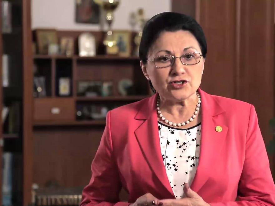 Ecaterina Andronescu anunță schimbări în învățământ