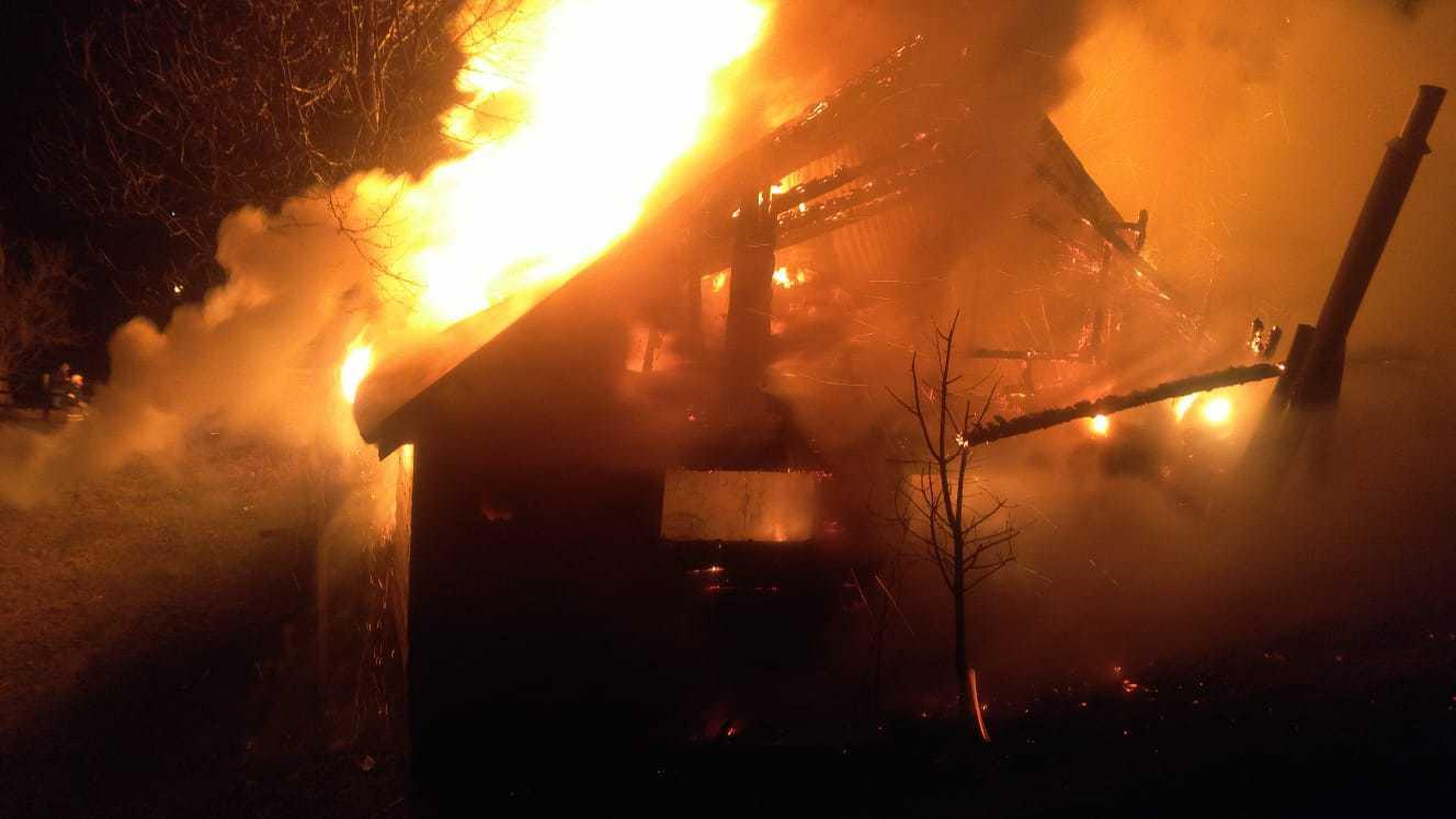 a avut loc un incendiu la o cabana din bran