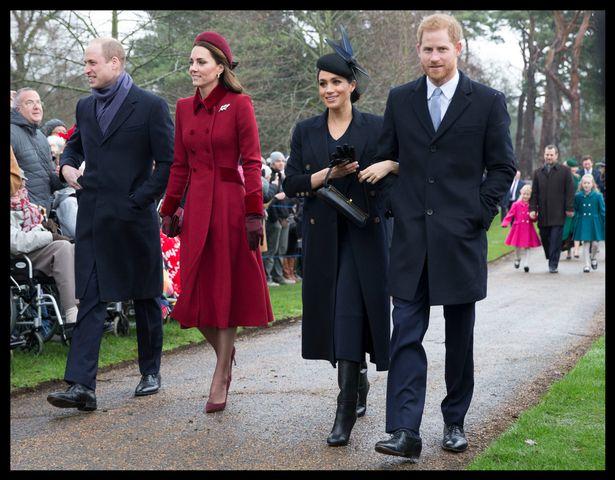 Familia regală a Marii Britanii în drum spre catedrală pentru slujba de Crăciun.