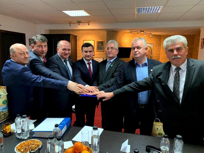 """7 primari din Moldova înființează alianța """"Moldova Dezvoltă"""""""