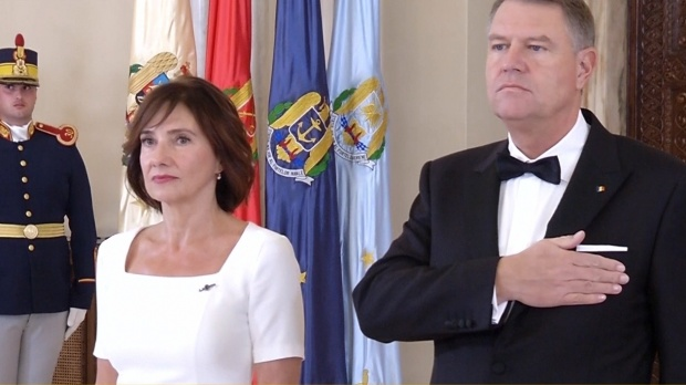 Carmen Iohannis, alături de preşedintele României, Klaus Iohannis