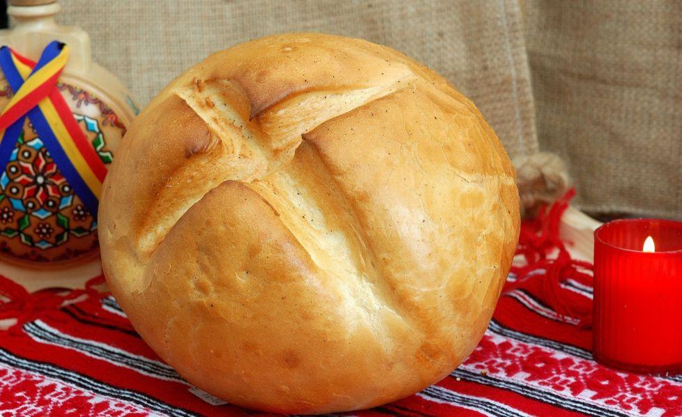 Pâinea sub masă în AJun aduce noroc