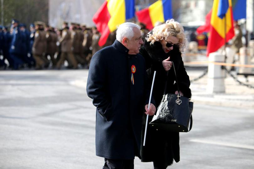 Petre şi Carmen Daea, la parada de 1 Decembrie, organizată la Centenarul Marii Uniri
