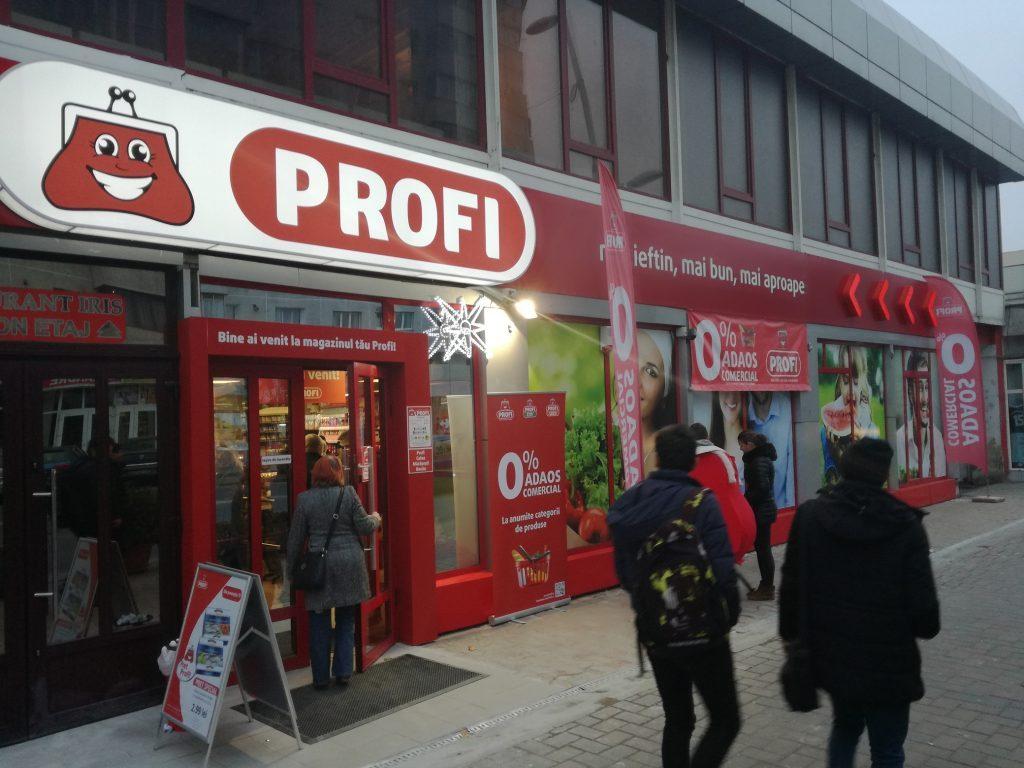 Profi este rețeaua de supermarketuri cu cea mai mare extindere geografică din țară: la sfârșitul lunii martie 2018 avea 741 de magazine amplasate în 397 de localități, cu peste 12.500 de angajați