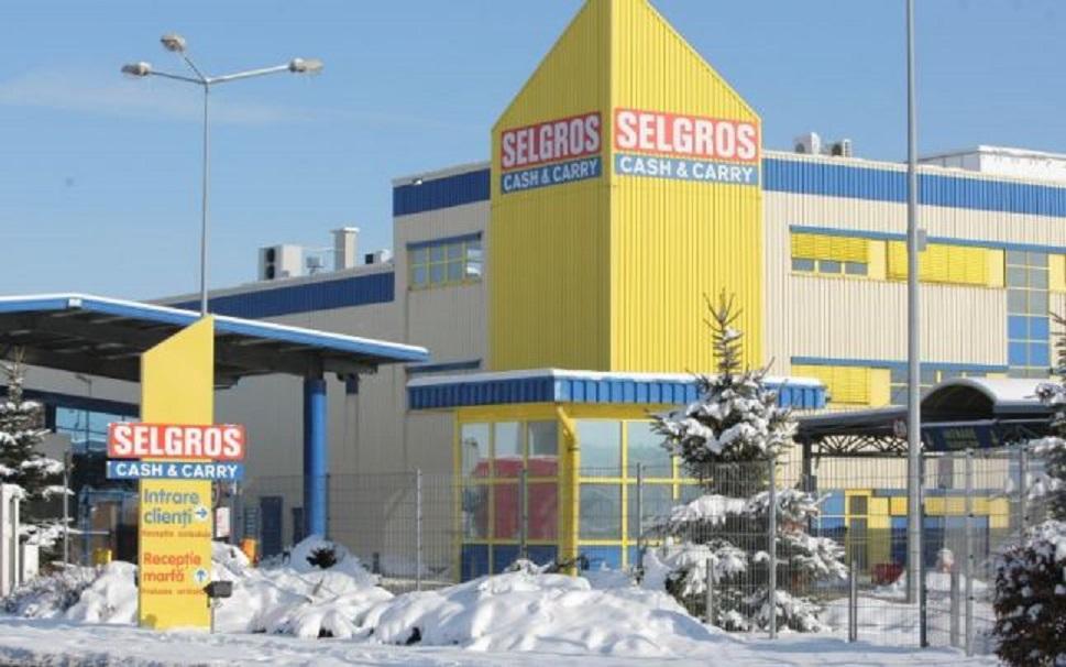 Hipermarketul Selgros are o rețea de 22 de magazine în România, fiecare oferind peste 41.000 de articole