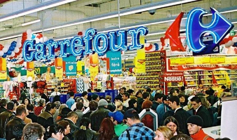 Hipermarketurile Carrefour sunt tot timpul aglomerate, nu numai în Sărbătorile de Iarnă
