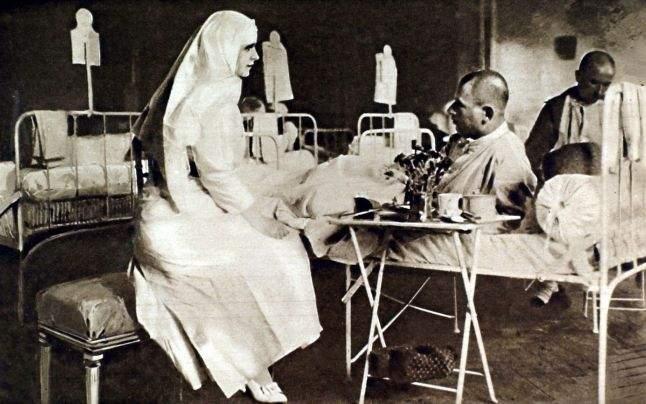 Atunci când soldații din armata României s-au confruntat cu o epidemie de holeră, principesa a fost cea care a cerut îndată permisiune de la Carol I pentru a merge în tabăra din Zimnicea, ca să aibă grijă de bolnavi.