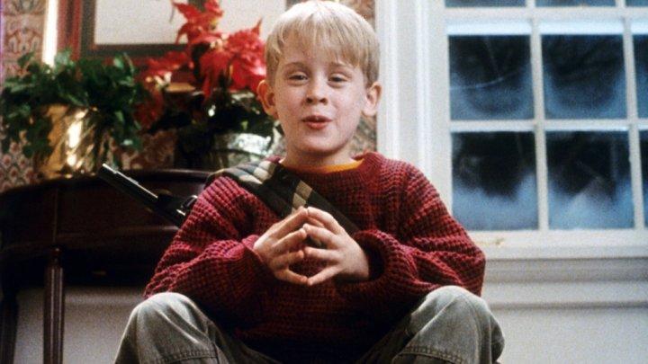 Singur Acasă a fost singurul film de succes al lui Macaulay Culkin. Avea 10 ani