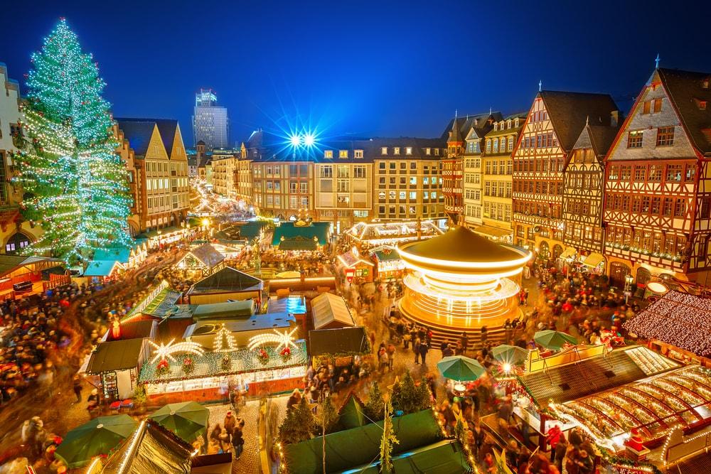 Târgul de Crăciun de la Strasbourg este cel mai vechi târg de acest gen din lume. Prima ediție a avut loc în anul 1570