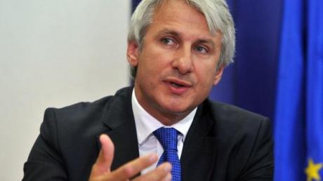Eugen Teodorovici va decide salariile și pensiile