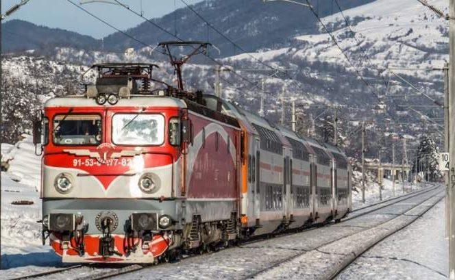 Trenuri blocate din cauza zăpezii! Comunicatul CFR Călători