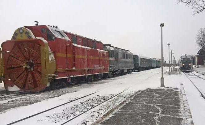 100 de pasageri au rămas blocați în tren
