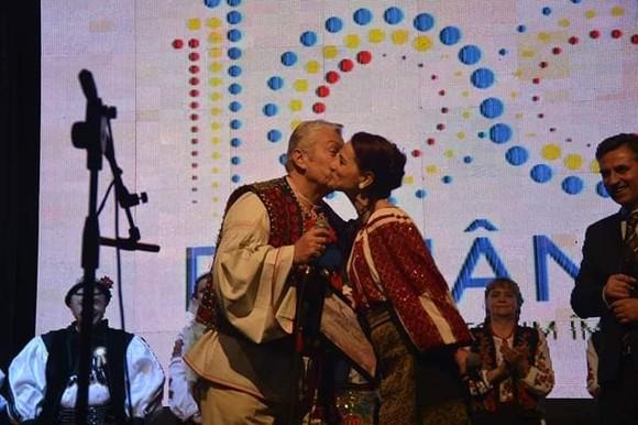 Gestul făcut de Gheorghe Turda pentru iubita lui, pe scenă, în văzul tuturor