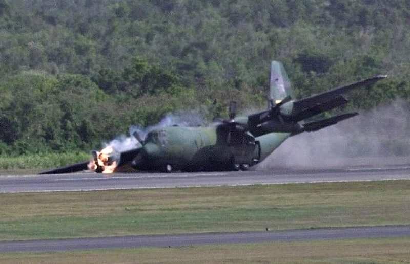 Un incident aviatic a avut loc în largul Japoniei, unde două avioane militare americane s-au ciocnit. În urma coliziunii între cele două avioane un pușcaș marin american și-a pierdut viața