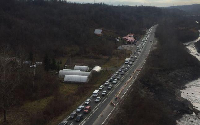 Infotrafic: Blocaj cu zeci de mașini! Românii se întorc de la munte