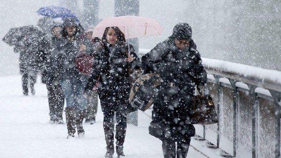 Avertizare ANM cod portocaliu de ninsori: prognoza meteo pentru weekend