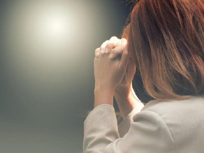 Rugăciune = cheia cu care deschidem poarta cerului şi intrăm la Părintele ceresc. Calea spre Dumnezeu