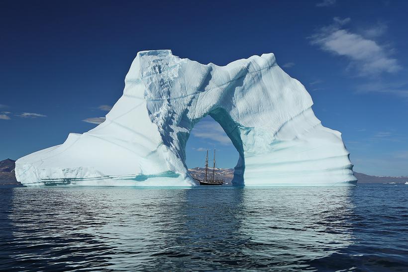 Alarmă climatică în Groenlanda: Sateliții de la NASA arată cum se topește stratul de gheață