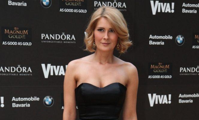 Alessandra Stoicescu, jurnalist Antena 3