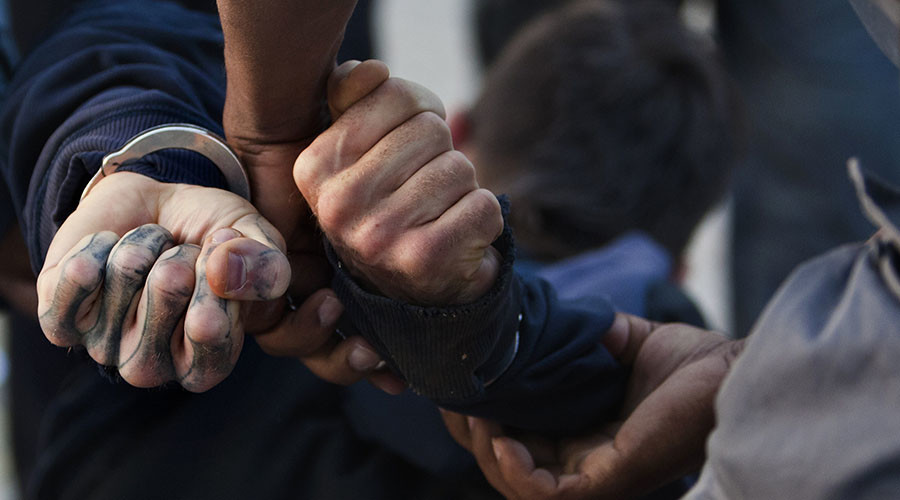 Bărbatul care a anunțat că a pus bombe cu gaz sarin în București, arestat preventiv
