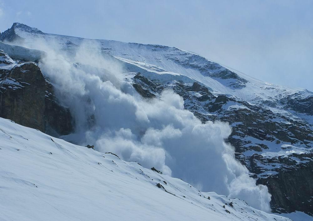 Cod roșu de avalanșă!