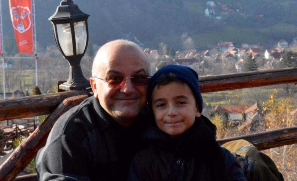 Axinte împreună cu fiul său, Eduard