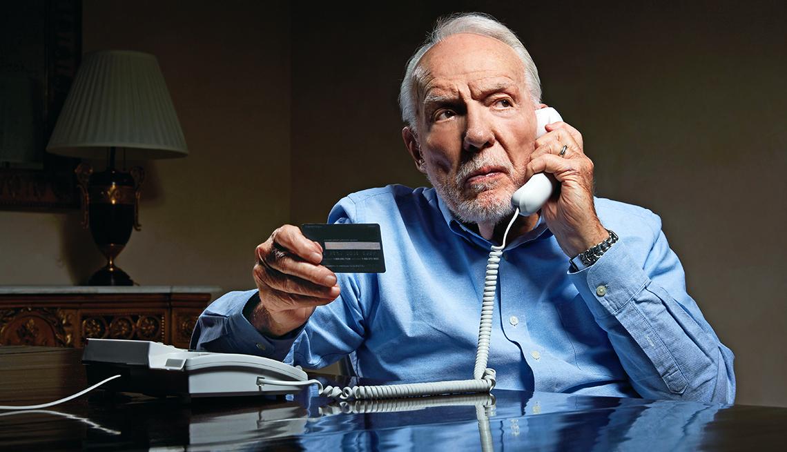Avertisment pentru toți pensionarii! Așa vă pierdeți dreptul la pensie. De ce este total interzis
