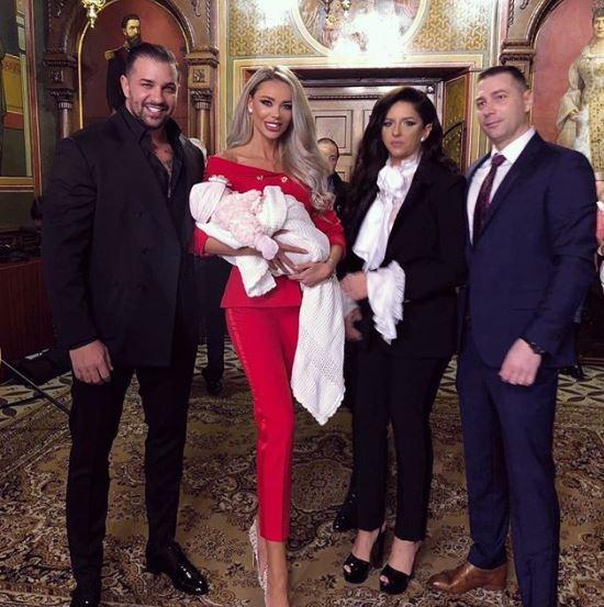 Bianca Drăgușanu și Alex Bodi la altar, nași pentru a doua oară!