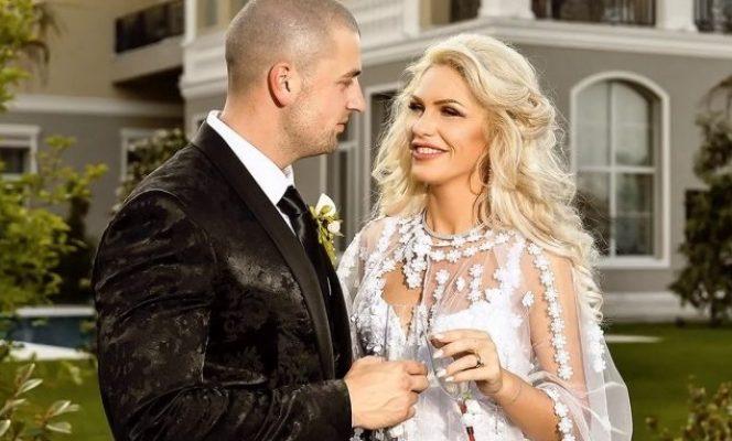 Poză de la nunta  celor doi