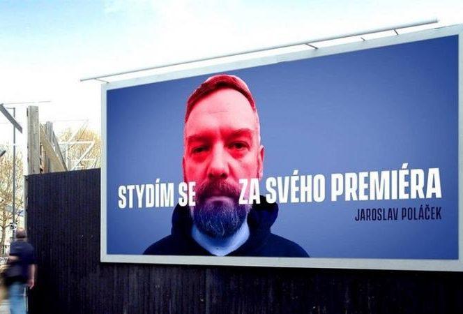 Panourile campaniei inedite împotriva premierului ceh