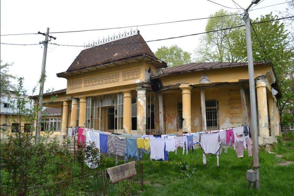 Cum arată azi casa în care s-a născut Vasile Alecsandri. E foarte trist ce se întâmplă acolo