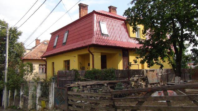 Așa arată casa în care locuiește Florin Piersic. E situată în Cluj, pe malul Someșului. Galerie FOTO