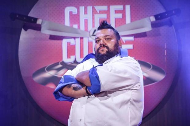 """S-a pornit un scandal monstru după finala emisiunii """"Chefi la cuțit"""", sezonul 6! Mihai Munteanu """"Munti"""" este marele câștigător al show-ului culinar și cel care a încasat cecul de 30.000 de euro."""