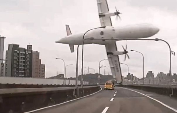 Șansele să câștigați la Loto 6/49 sunt incomparabil mai mici decât probabilitatea să vă prăbușiți cu avionul! Sau să aveți un accident de circulație!