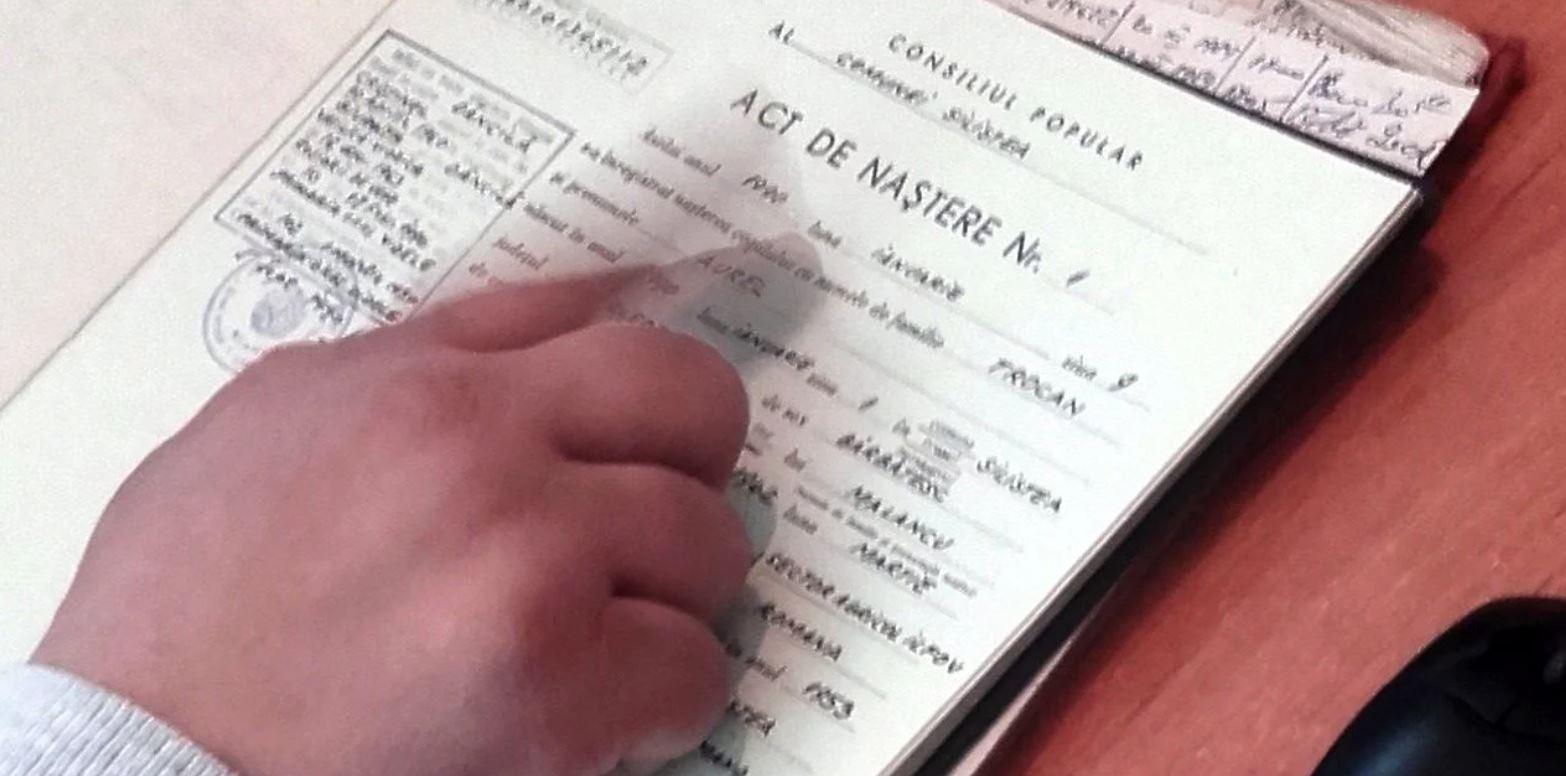 A fost publicat certificatul de naștere al fiului adoptiv al lui Dăncilă! Cum îl chema inițial
