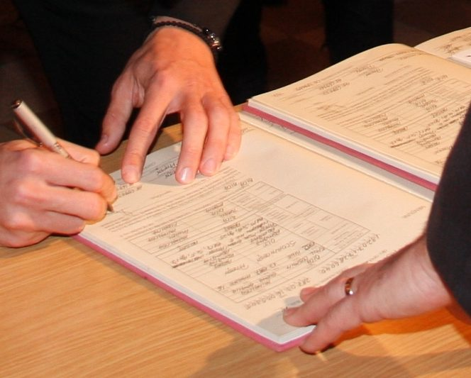 Certificatele de căsătorie plastifiate vor fi declarate nule
