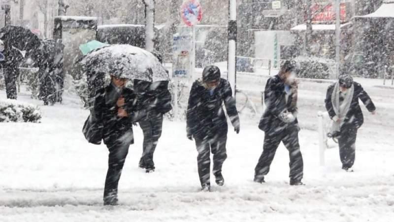 Ciclonul mediteranean aduce zăpezi apoase în România