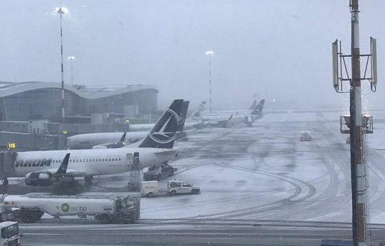 Condițiile meteo au creat probleme pe Aeroportul Otopeni