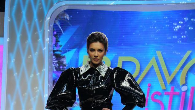 Cristina Ich, prezentă la o ediție din Bravo, ai still