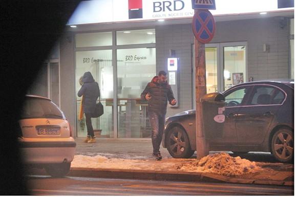 Dacian Varga se urcă la volanul mașinii Mariei Constantin