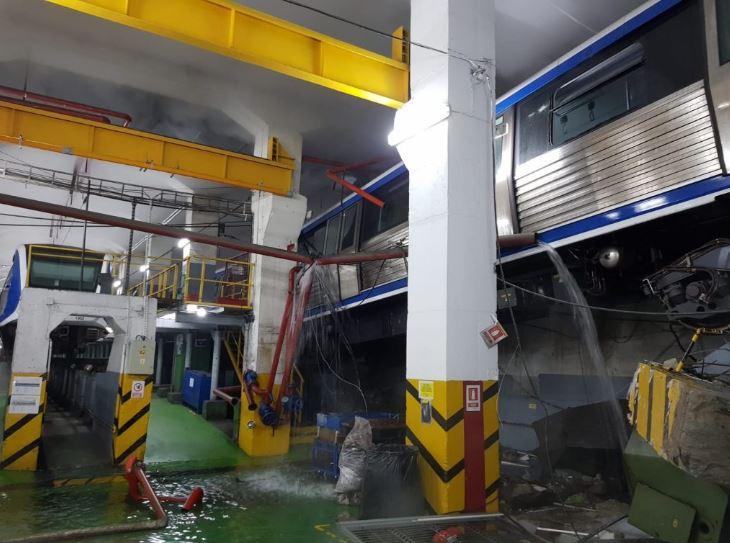 Accident grav la metrou pe magistrala Pipera-Berceni! Trenul a sărit de pe șine! Care este starea vatmanului