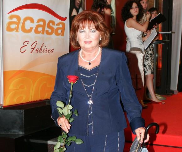 Florina Cercel este cunoscută mai ales după ce a jucat în telenovela Inimă de Țigan. Vorbim aici despre generația mai tânără. care astfel a luat contact cu mari actori ai României