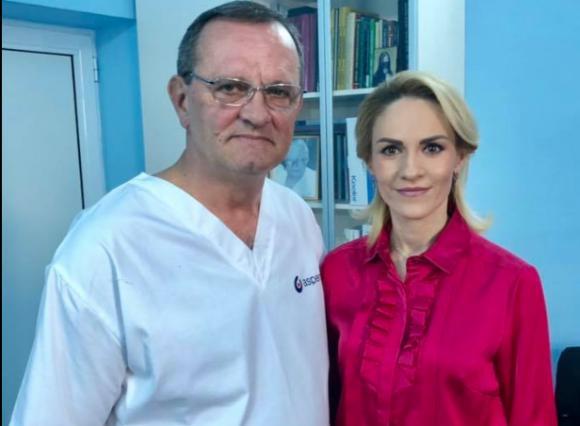 Gabriela Firea, alături de medicul care a operat-o