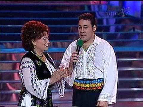 Ionuţ Dolănescu, cântând alături de mama sa, Maria Ciobanu